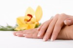 Soins des ongles avec les huiles