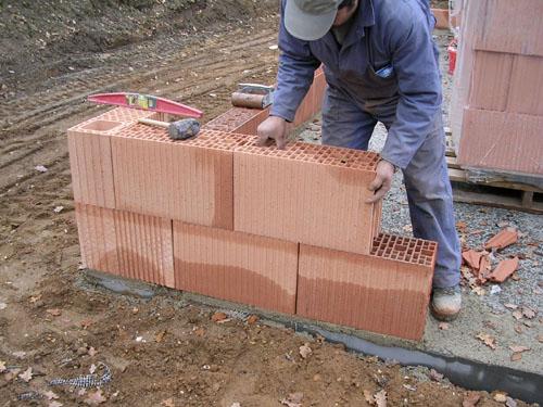 Maison les briques c 39 est fantastique for Construire mur en brique