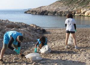 Nettoyage de la plage de Marseille